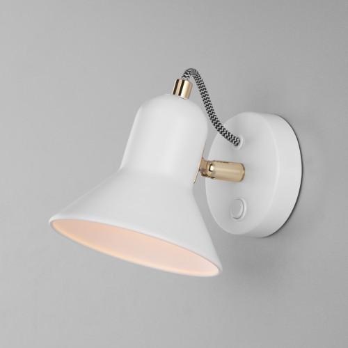 Настенный светильник с выключателем 20083/1 белый/золото